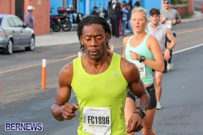 Race-Weekend-Marathon-Start-Bermuda-January-18-2015-51