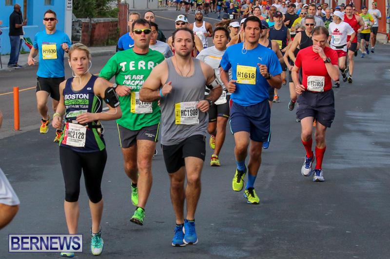 Race-Weekend-Marathon-Start-Bermuda-January-18-2015-59