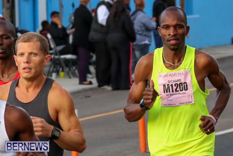 Race-Weekend-Marathon-Start-Bermuda-January-18-2015-9