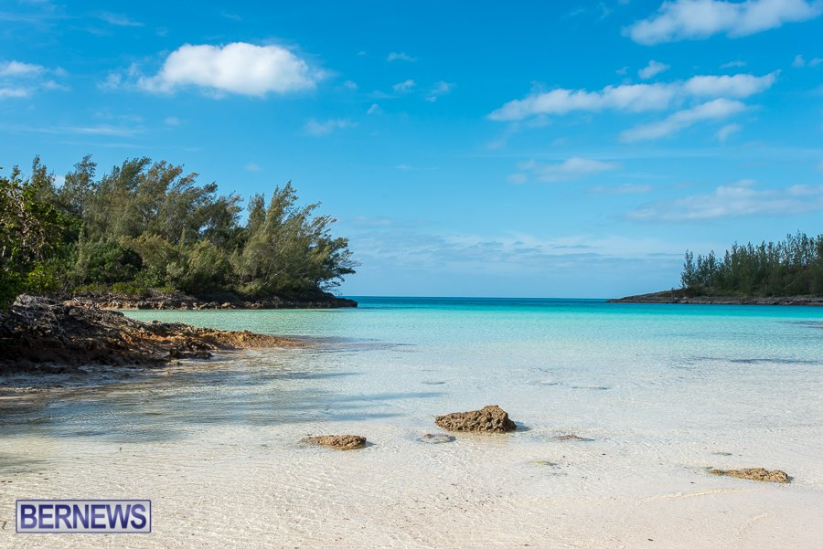 847-gorgeous waters around the Island Bermuda Generic