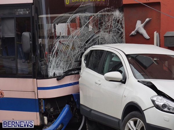bus car crash 2015mar11 (5)