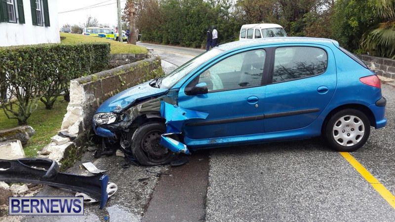 car accident Bermuda March 21 2015 (1)