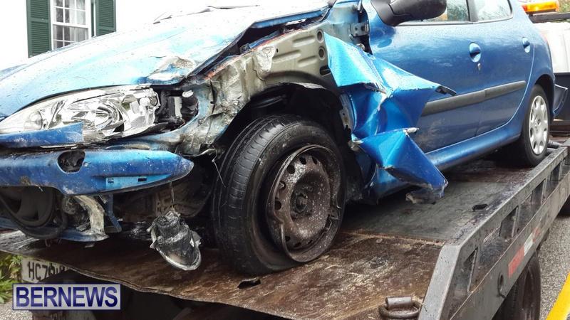 car accident Bermuda March 21 2015 (2)