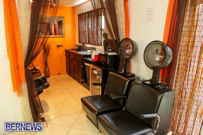 Maxilous-Salon-Bermuda-April-11-2015-16