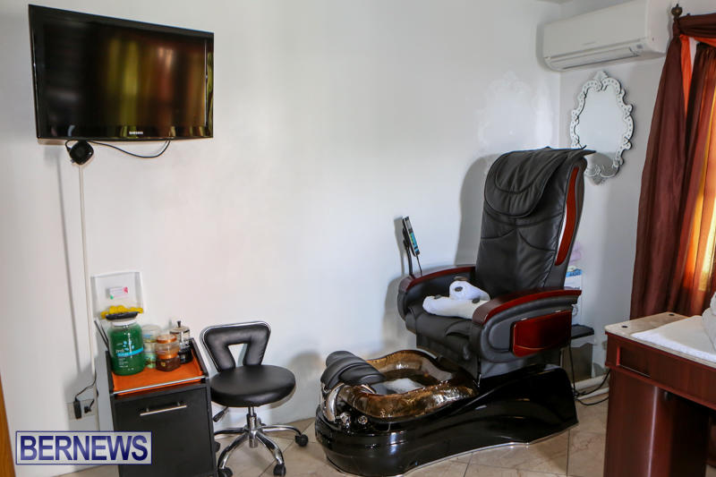 Maxilous-Salon-Bermuda-April-11-2015-9