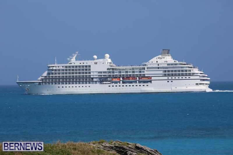 seven-seas-cruise-ship-in-Bermuda-April-2015-5
