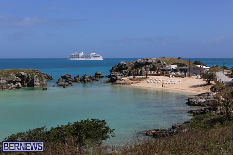 seven-seas-cruise-ship-in-Bermuda-April-2015-6