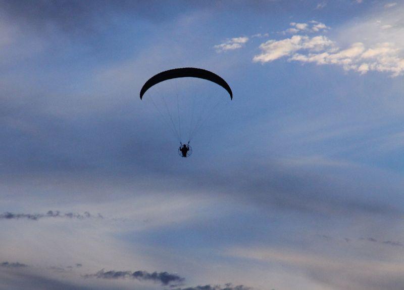 Motorised parachute (3)