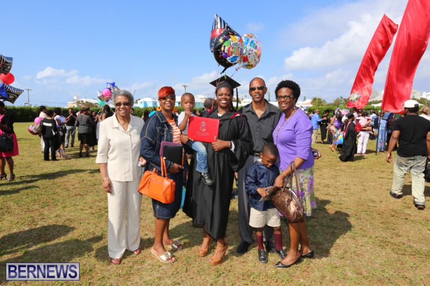 bermuda-college-graduation-2015-18