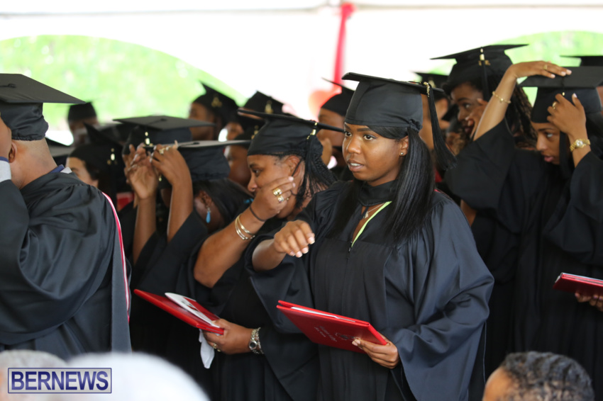 bermuda-college-graduation-2015-38