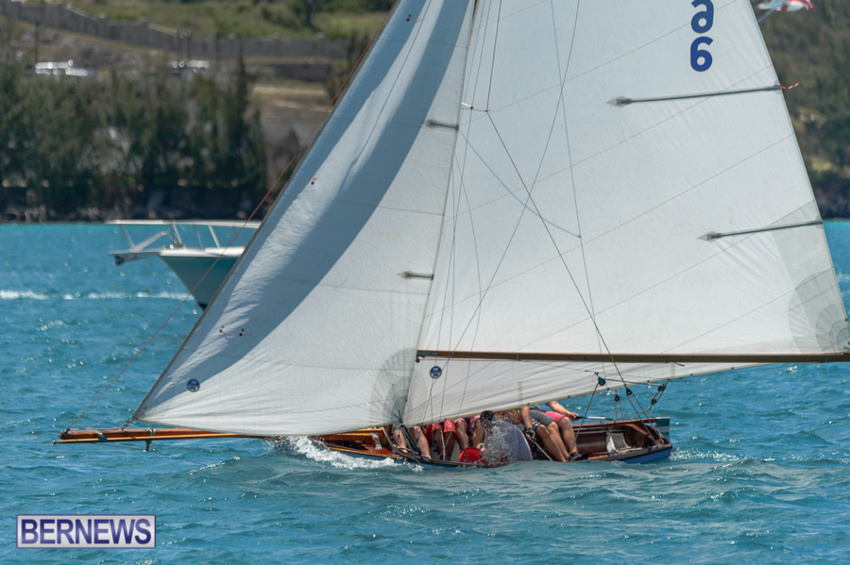 fitted-dingy-races-st-george-may-2015-40