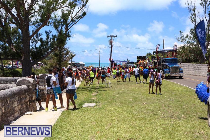 BHW-Parade-of-Bands-June-2015-bermuda-11