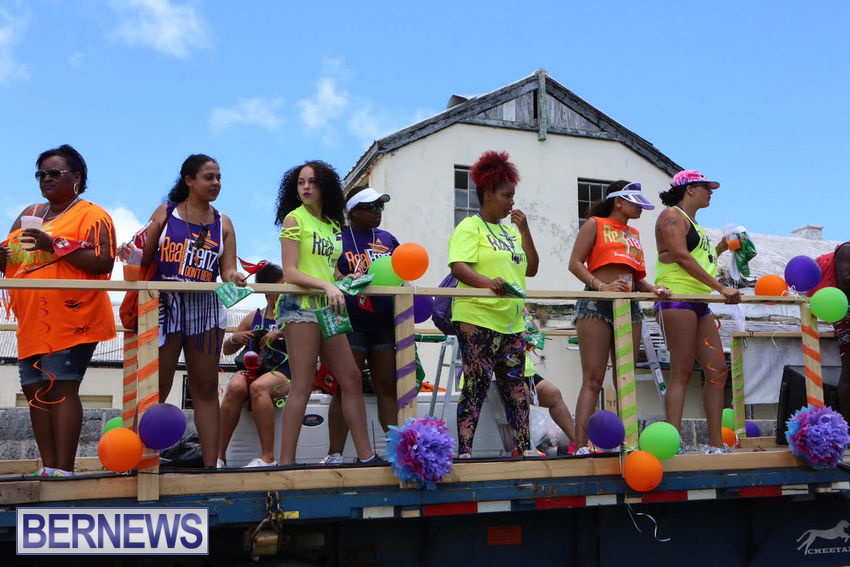 BHW-Parade-of-Bands-June-2015-bermuda-17