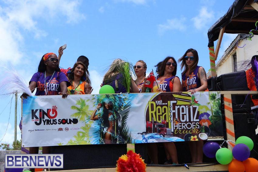 BHW-Parade-of-Bands-June-2015-bermuda-18