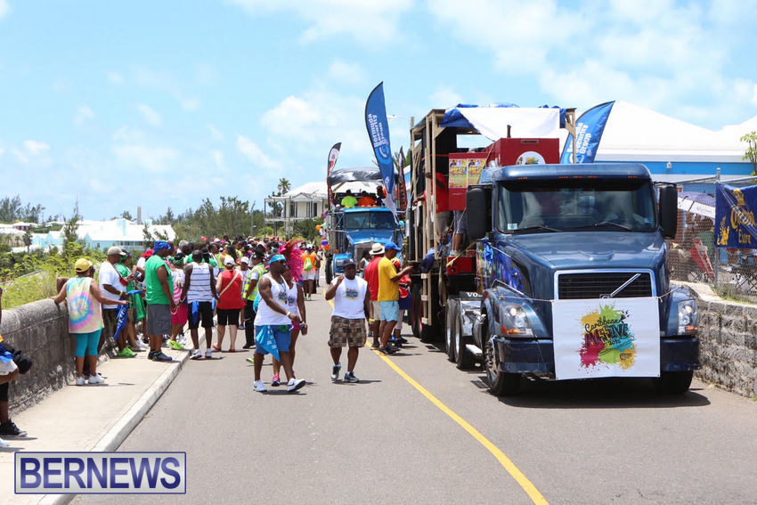 BHW-Parade-of-Bands-June-2015-bermuda-19
