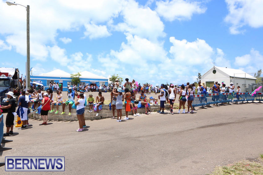 BHW-Parade-of-Bands-June-2015-bermuda-21