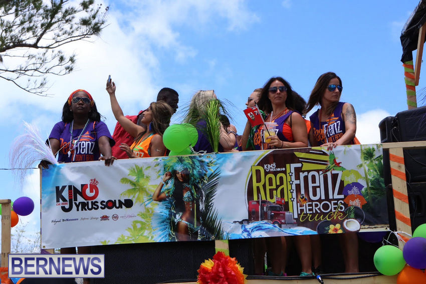 BHW-Parade-of-Bands-June-2015-bermuda-24