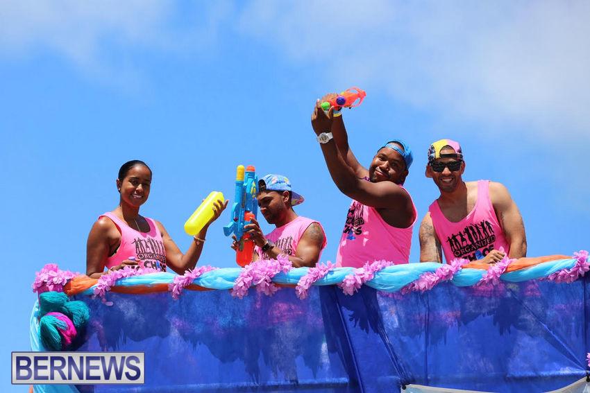 BHW-Parade-of-Bands-June-2015-bermuda-4