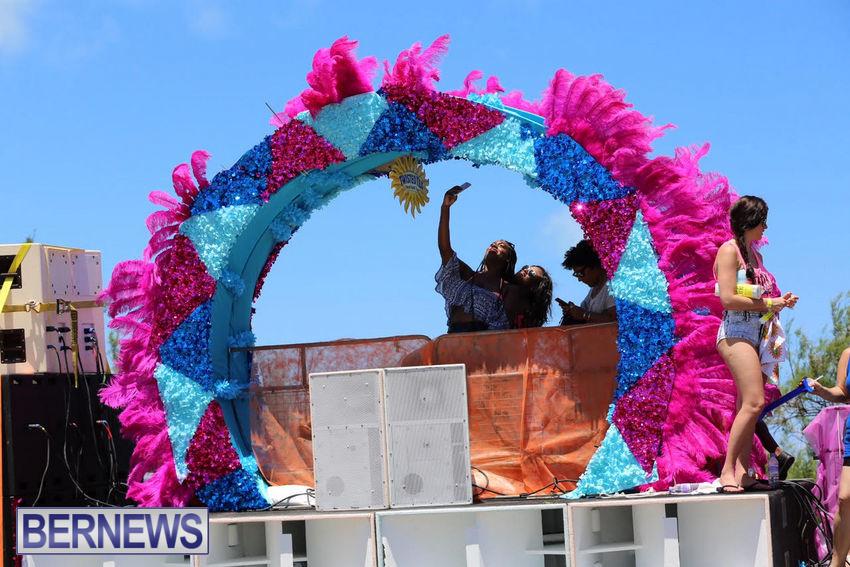 BHW-Parade-of-Bands-June-2015-bermuda-8