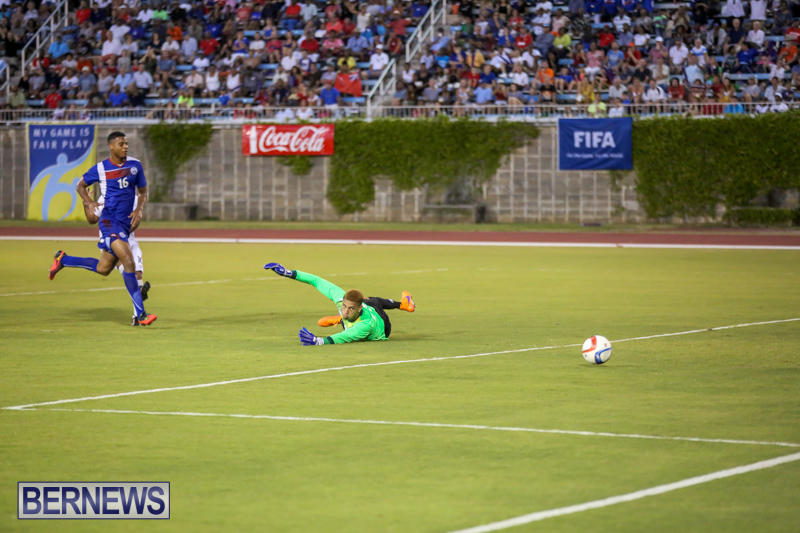 Guatemala-vs-Bermuda-Football-June-15-2015-18