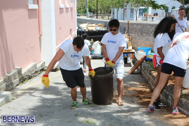 KPMG-Clean-Up-At-Dellwood-School-June-5-2015-1
