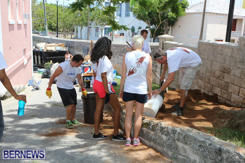 KPMG-Clean-Up-At-Dellwood-School-June-5-2015-25