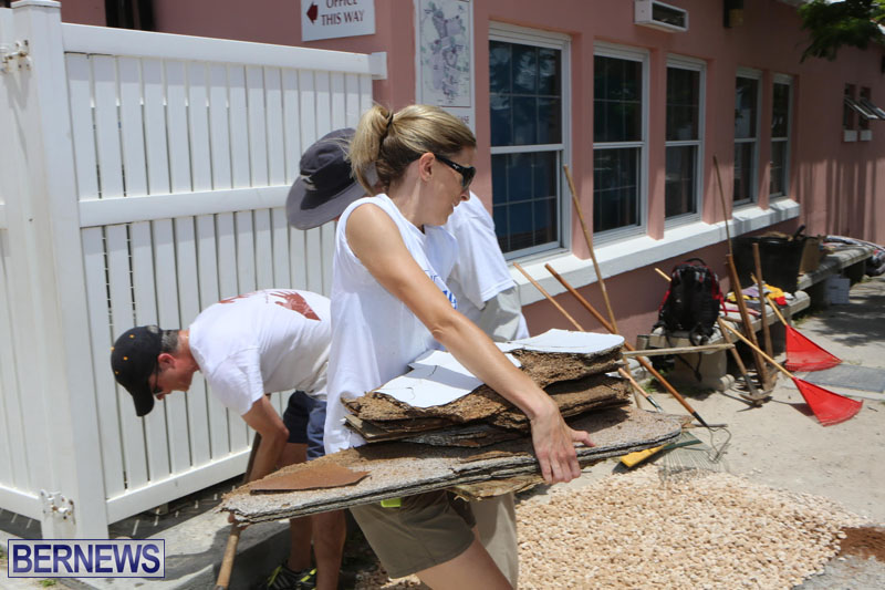 KPMG-Clean-Up-At-Dellwood-School-June-5-2015-6