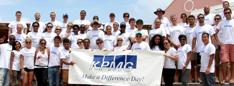 KPMG Supports Dellwood Middle School During 2015 Make a Difference Day (6a)