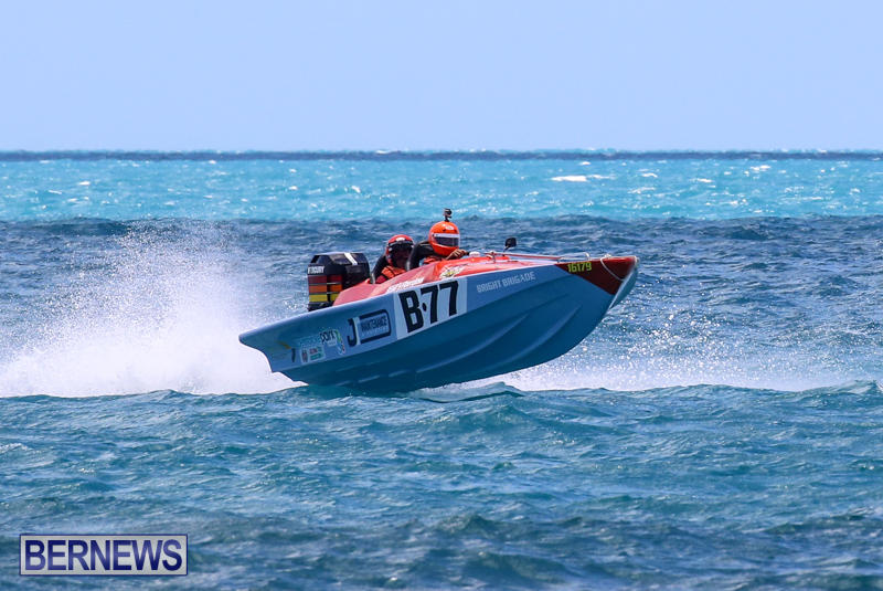 Powerboat-Racing-Bermuda-June-28-2015-17