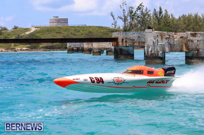 Powerboat-Racing-Bermuda-June-28-2015-25