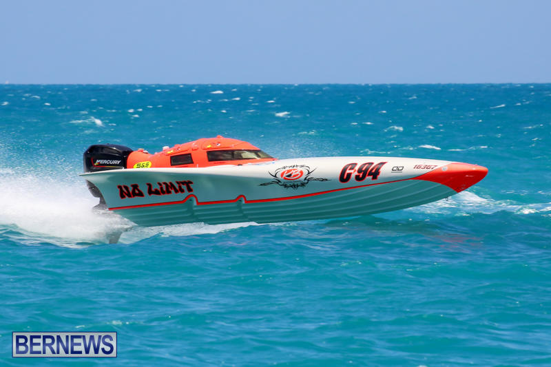 Powerboat-Racing-Bermuda-June-28-2015-44