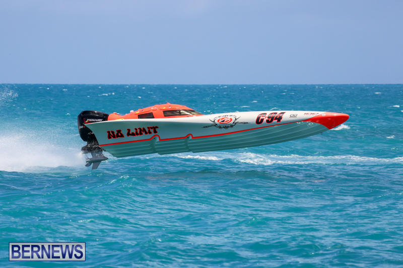 Powerboat-Racing-Bermuda-June-28-2015-45