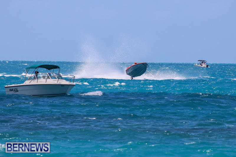 Powerboat-Racing-Bermuda-June-28-2015-49