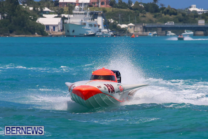 Powerboat-Racing-Bermuda-June-28-2015-60