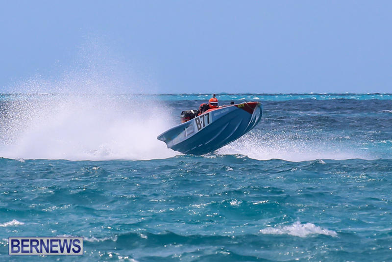 Powerboat-Racing-Bermuda-June-28-2015-70