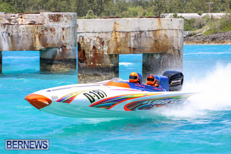 Powerboat-Racing-Bermuda-June-28-2015-75