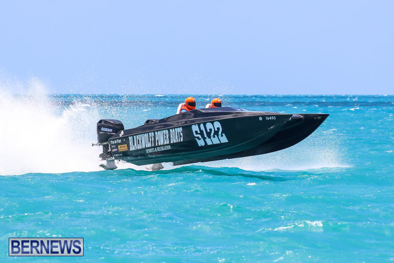 Powerboat-Racing-Bermuda-June-28-2015-92