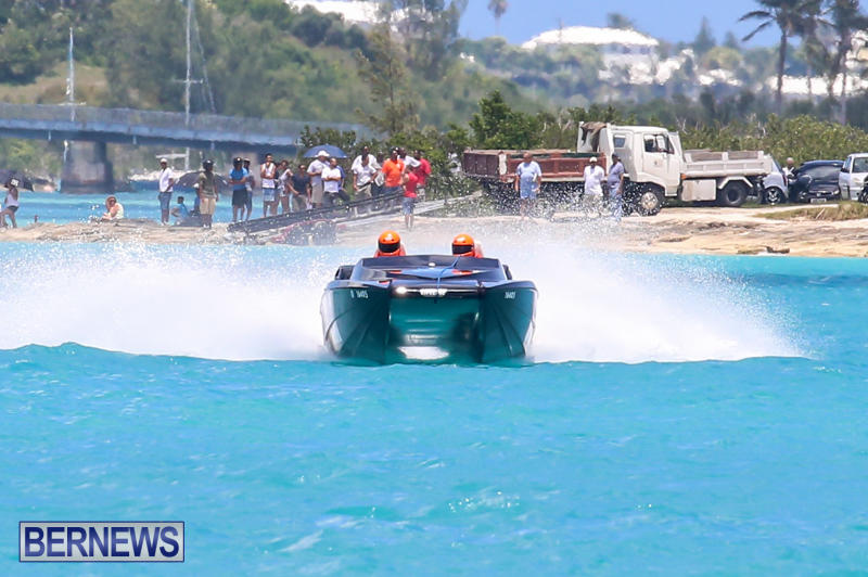 Powerboat-Racing-Bermuda-June-28-2015-98