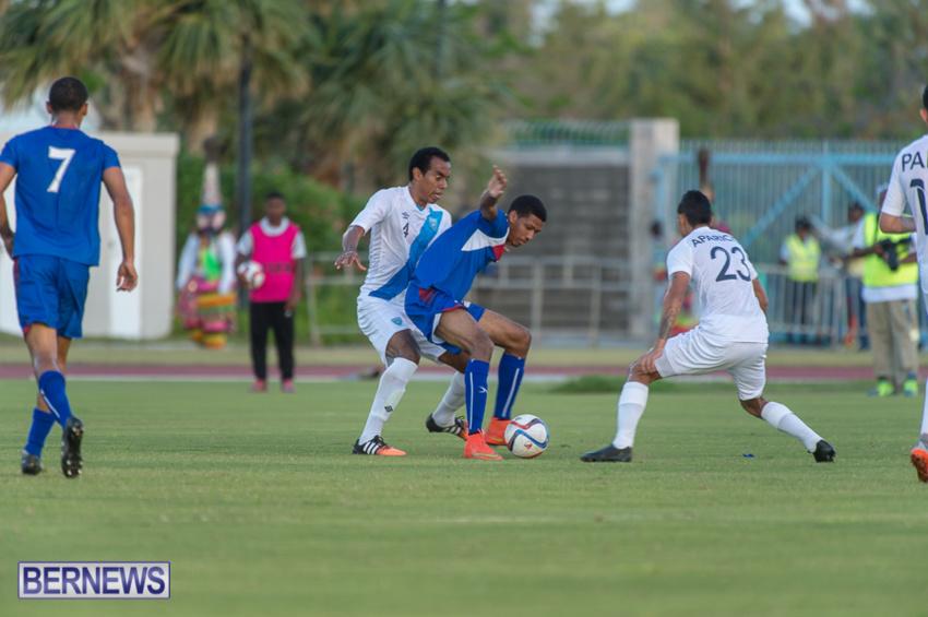 jm-bermuda-guatamala-football-18