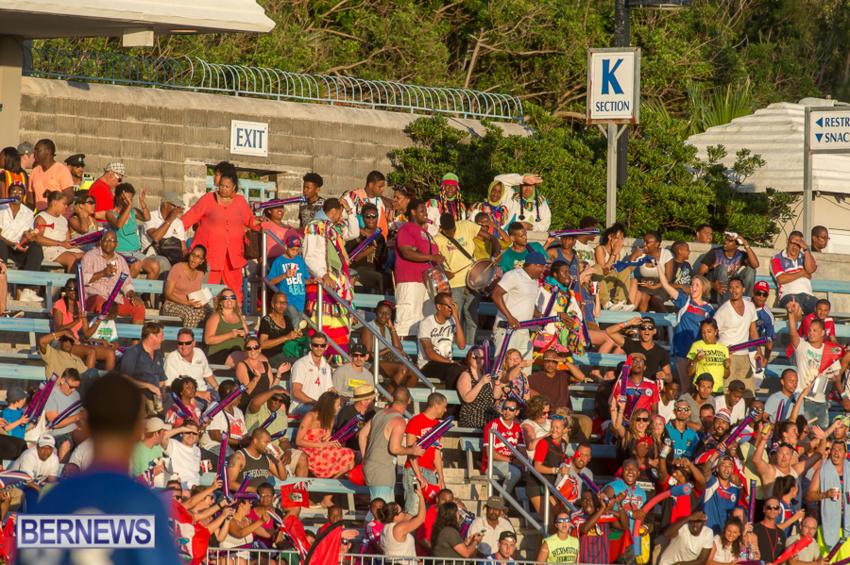 jm-bermuda-guatamala-football-23