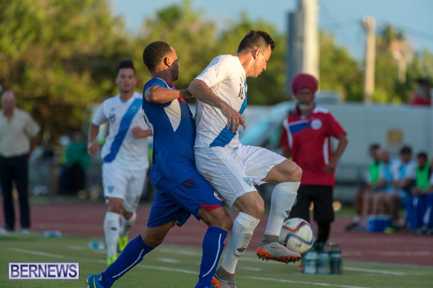 jm-bermuda-guatamala-football-25