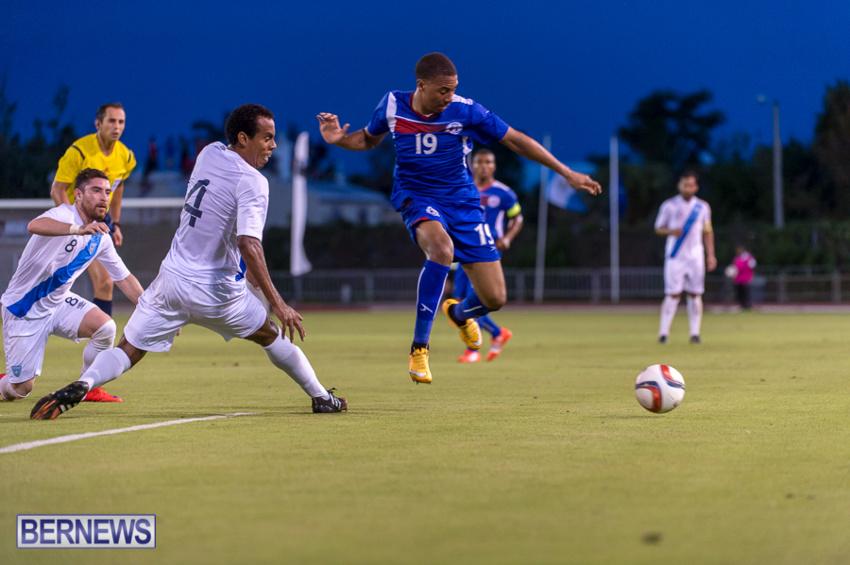 jm-bermuda-guatamala-football-35
