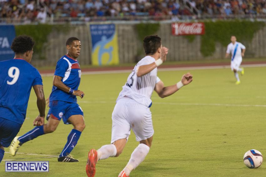 jm-bermuda-guatamala-football-81