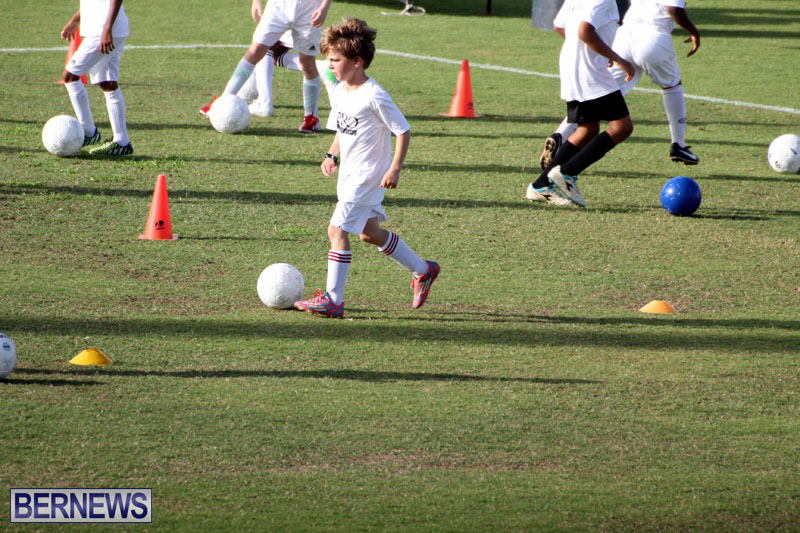 140-Youth-Footballers-Attend-Soccer-Clinic-July-9-2015-13