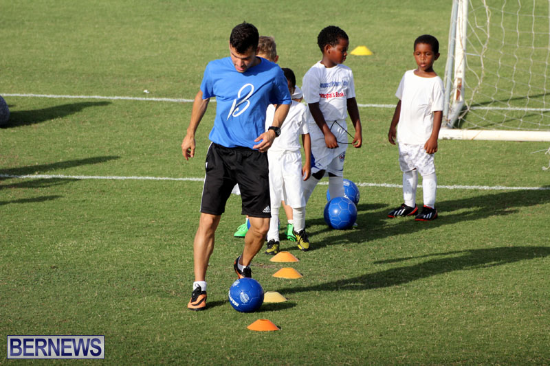 140-Youth-Footballers-Attend-Soccer-Clinic-July-9-2015-17