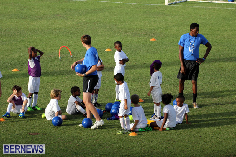 140-Youth-Footballers-Attend-Soccer-Clinic-July-9-2015-6