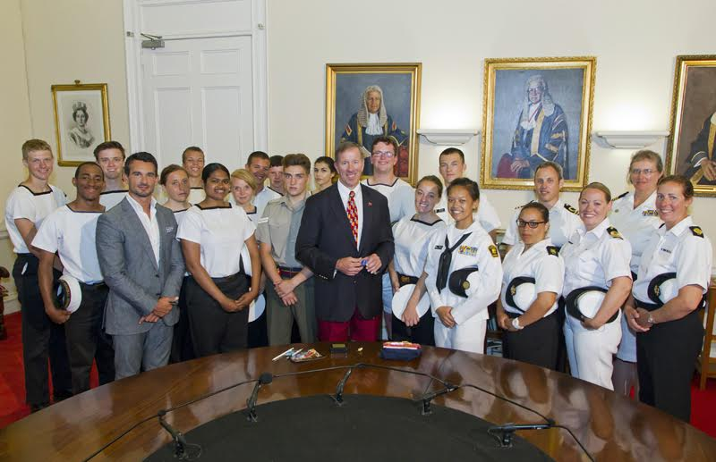 Premier Dunkley welcomed Bermuda's Sea Cadets (2)