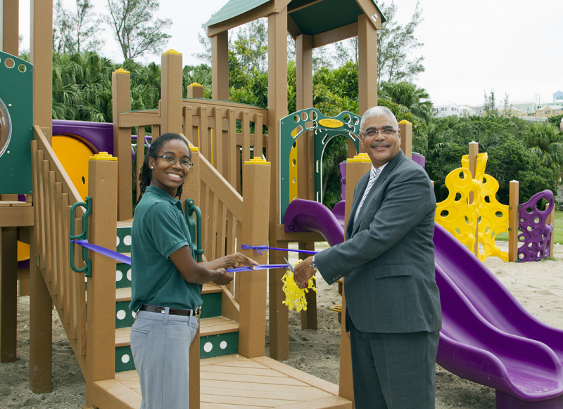 6338_PARKS_MINISTER_PARSONS_ROAD_PLAYGROUND_RIBBON_CUTTING_VSR_022