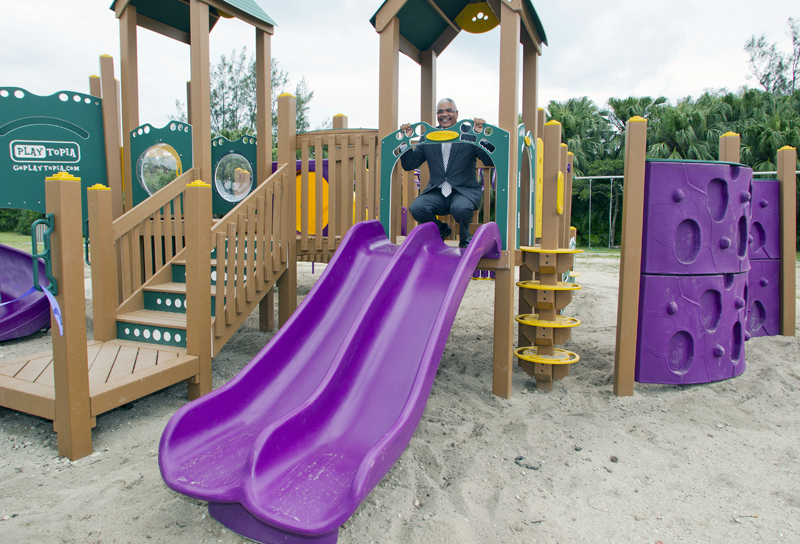 6338_PARKS_MINISTER_PARSONS_ROAD_PLAYGROUND_RIBBON_CUTTING_VSR_029