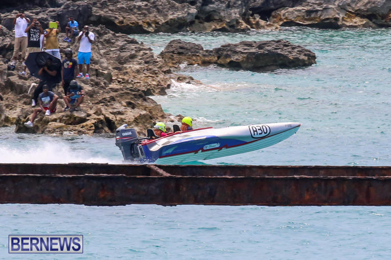 Around-The-Island-Powerboat-Race-Bermuda-August-9-2015-40